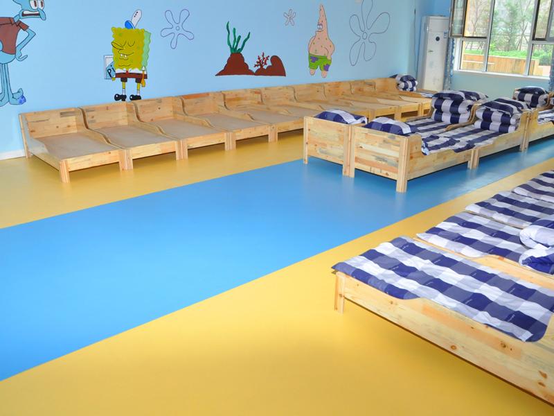 幼儿园塑胶地板搭配,给你点颜色看看!